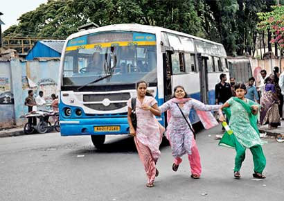 MV Act Amendment: What About Hawkers and Pedestrians?