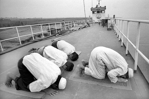 Not Mandatory For Muslims To Pray In Mosques or Idgahs