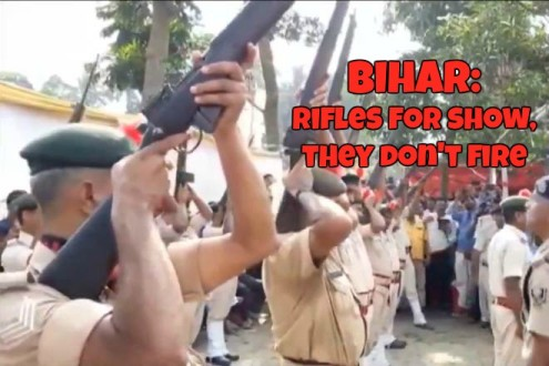 Bihar Bungles Again: Guns Don@@@t Fire For Ceremonial Salute