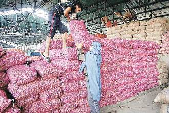 Centre Announces Measures To Bring Down Onion Prices
